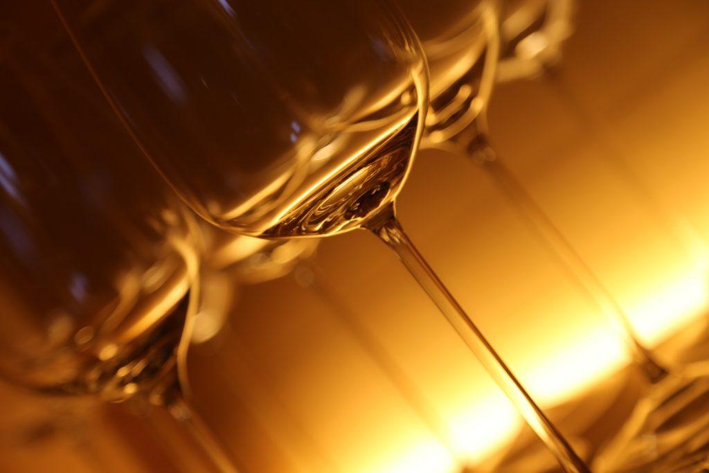 Les verres et le vin : la jambe d'un verre à vin